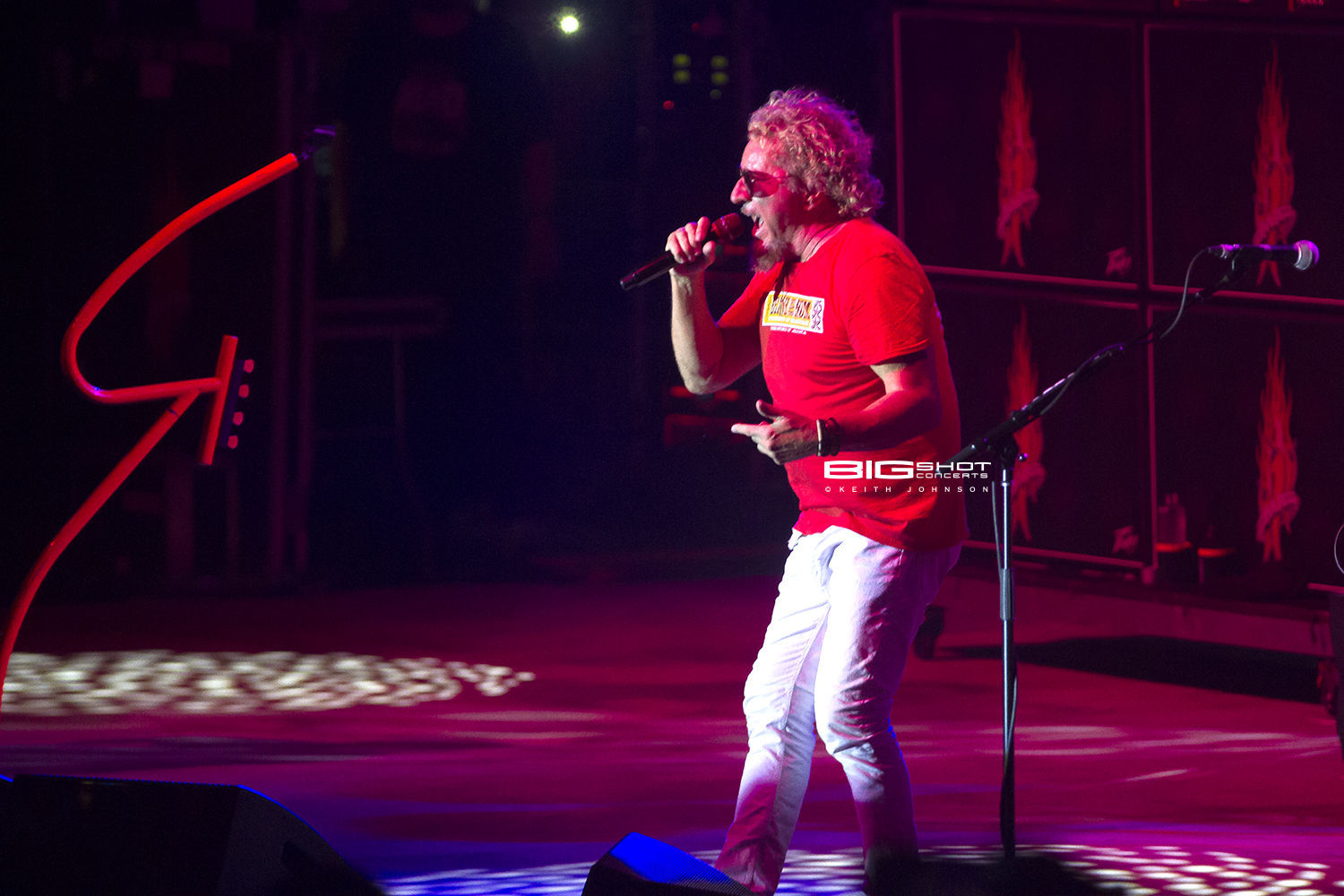 Sammy Hagar sings with The Circle