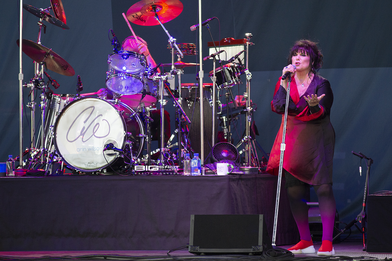 Ann Wilson performs at Coral Sky Amphitheatre