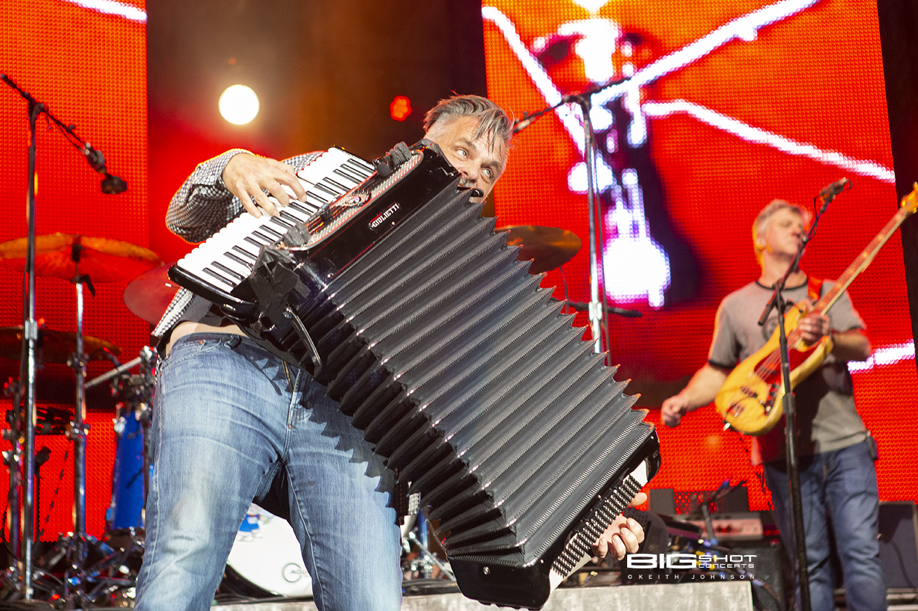 Counting Crows Accordion Player Photo