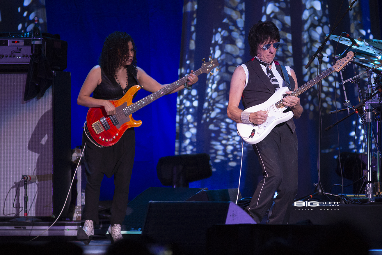 Photo - Jeff Beck Stars Align Tour
