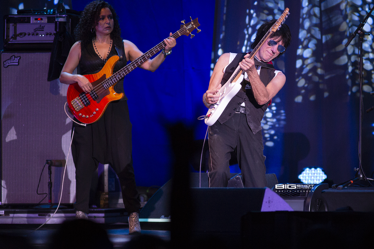 Jeff Beck and Bassist Rhonda Smith