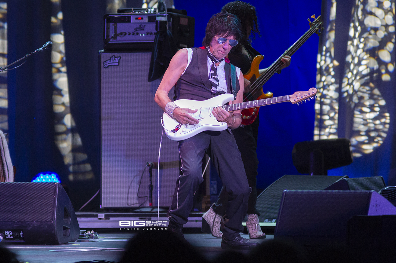 Jeff Beck Guitar Solo at Coral Sky Amphitheatre