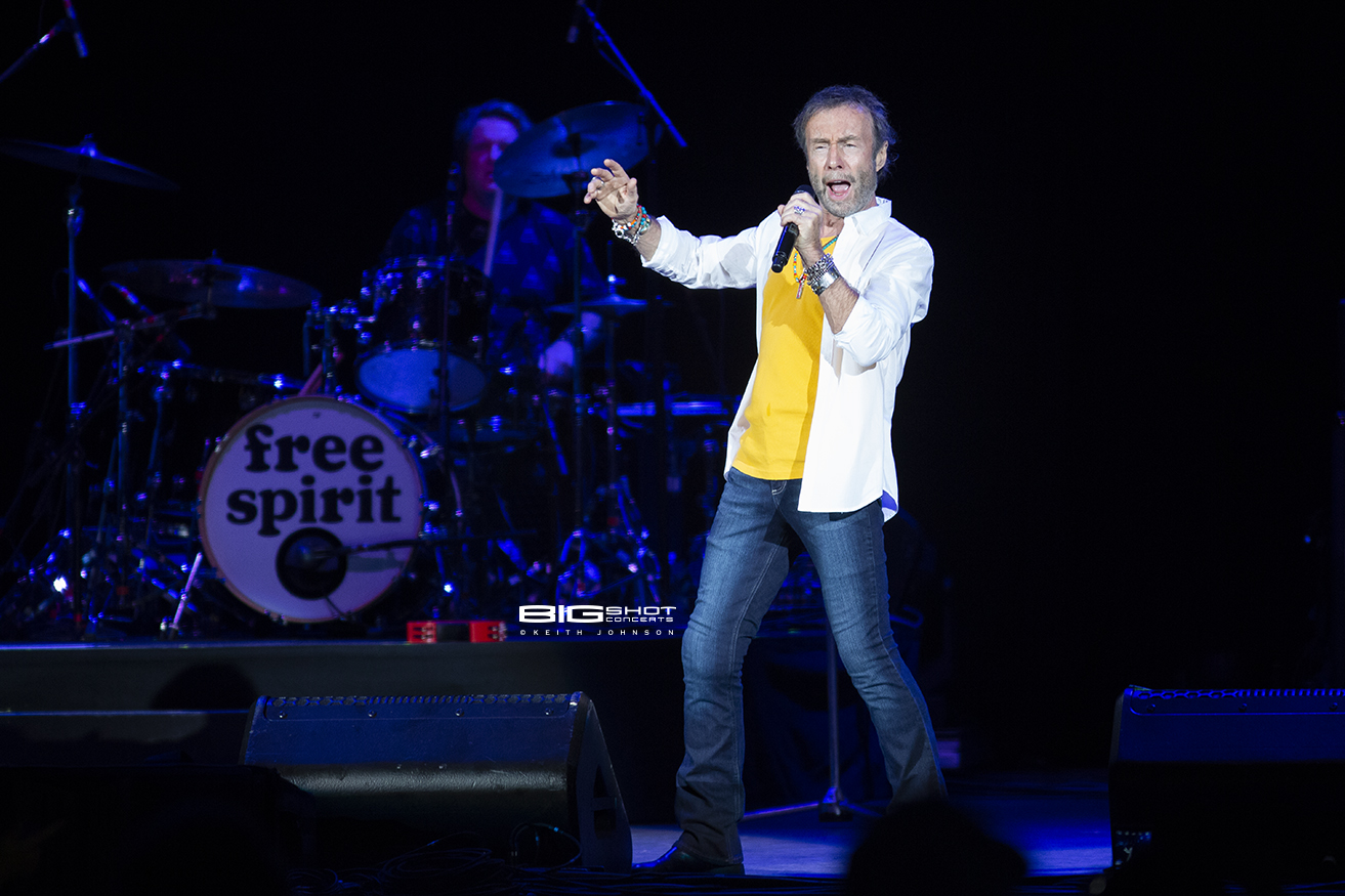 Paul Rodgers Sings During Stars Align Tour
