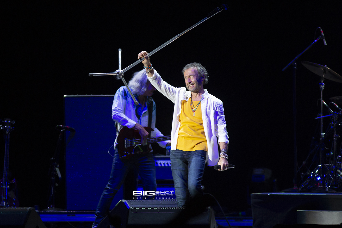 Paul Rodgers Lifts Microphone Stand Photo