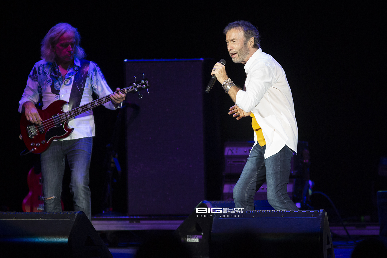 Paul Rodgers Performs Songs from Free