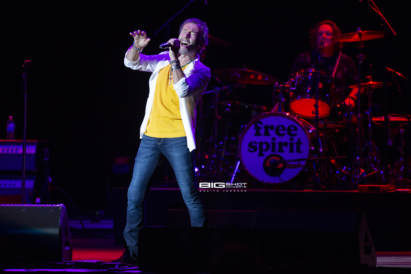 Paul Rodgers Performs Songs from Bad Company