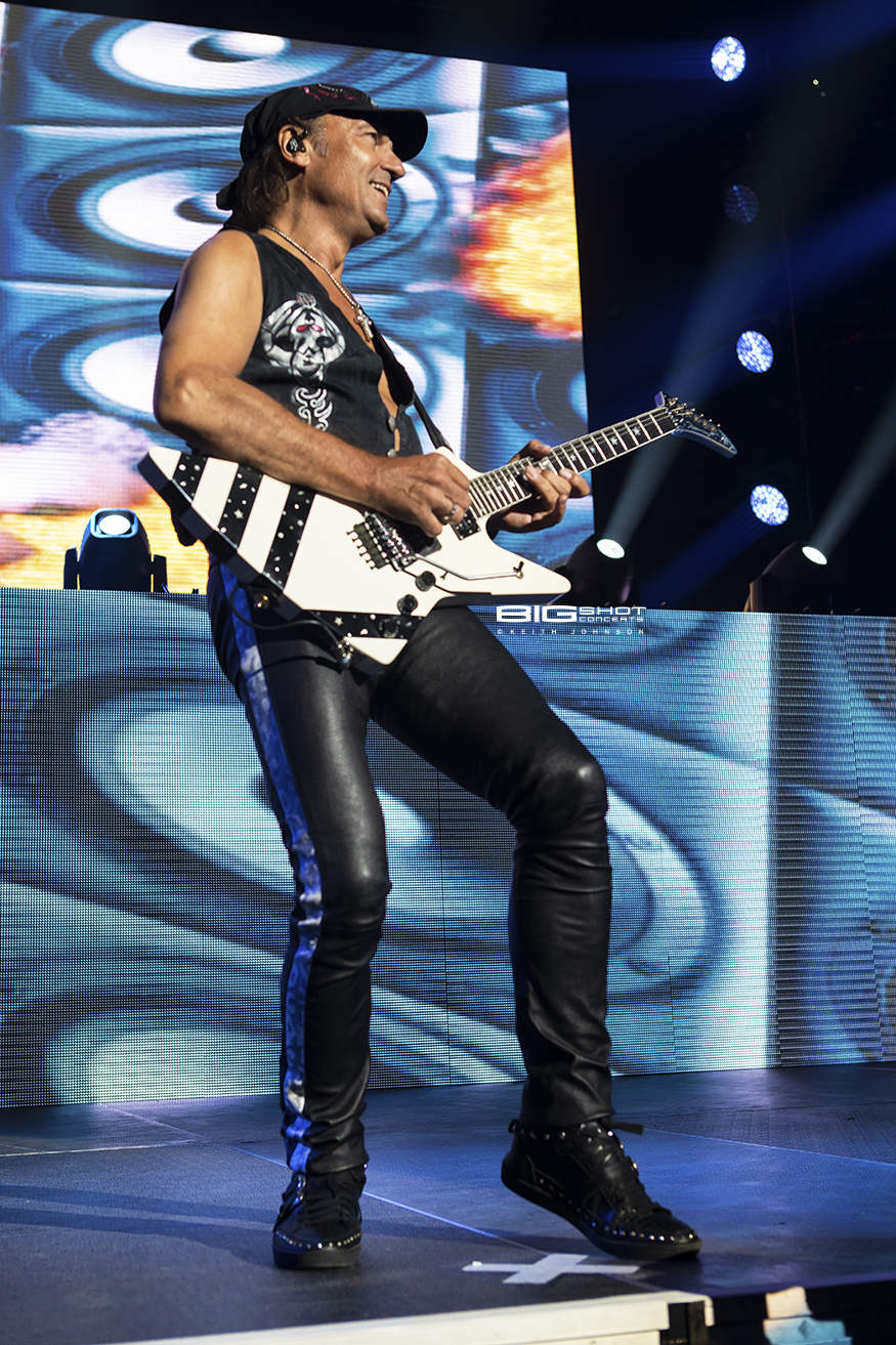 Matthias Jabs Photo - Scorpions Crazy World Tour