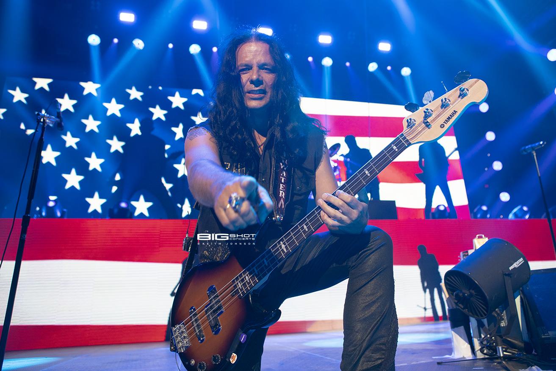 Scorpions Bass Player Paweł Mąciwoda