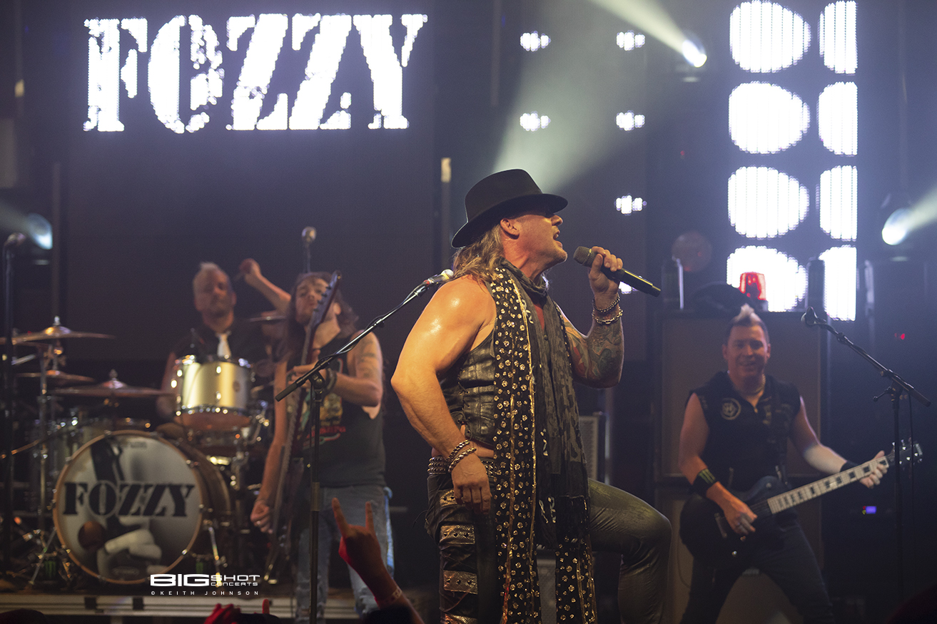 Photo: Fozzy Judas RisingTour