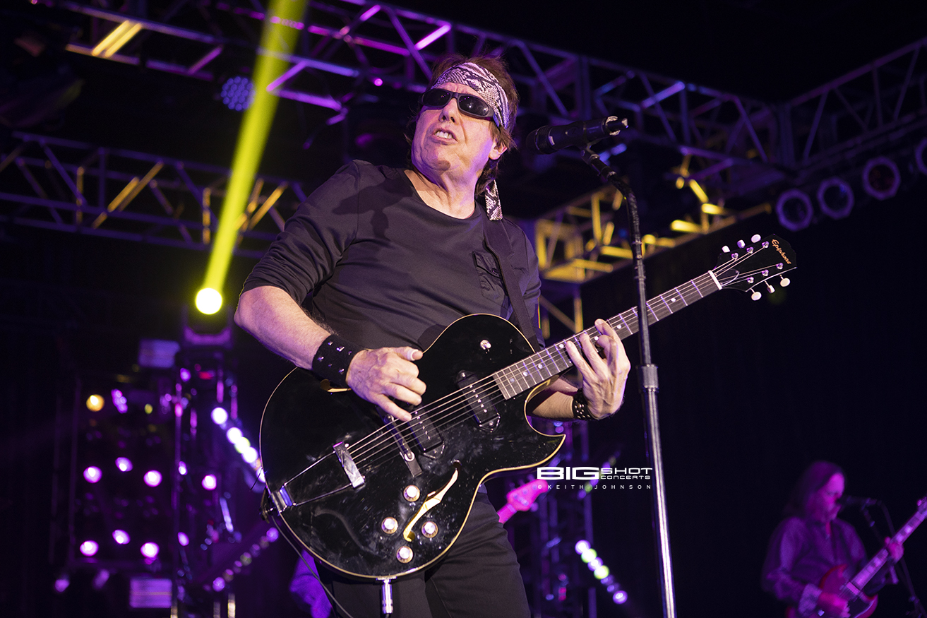 George Thorogood and the Destroyers in Concert