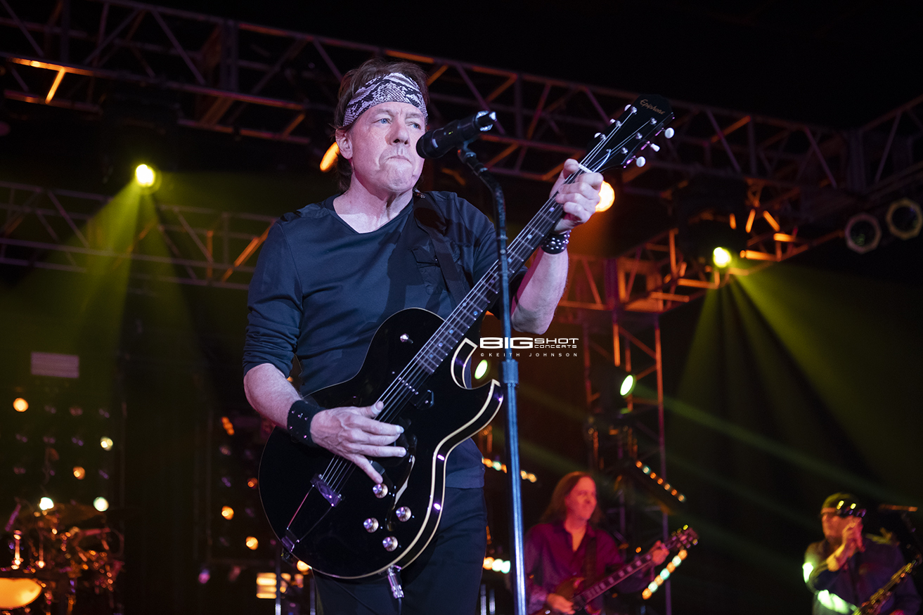 George Thorogood and the Destroyers Concert