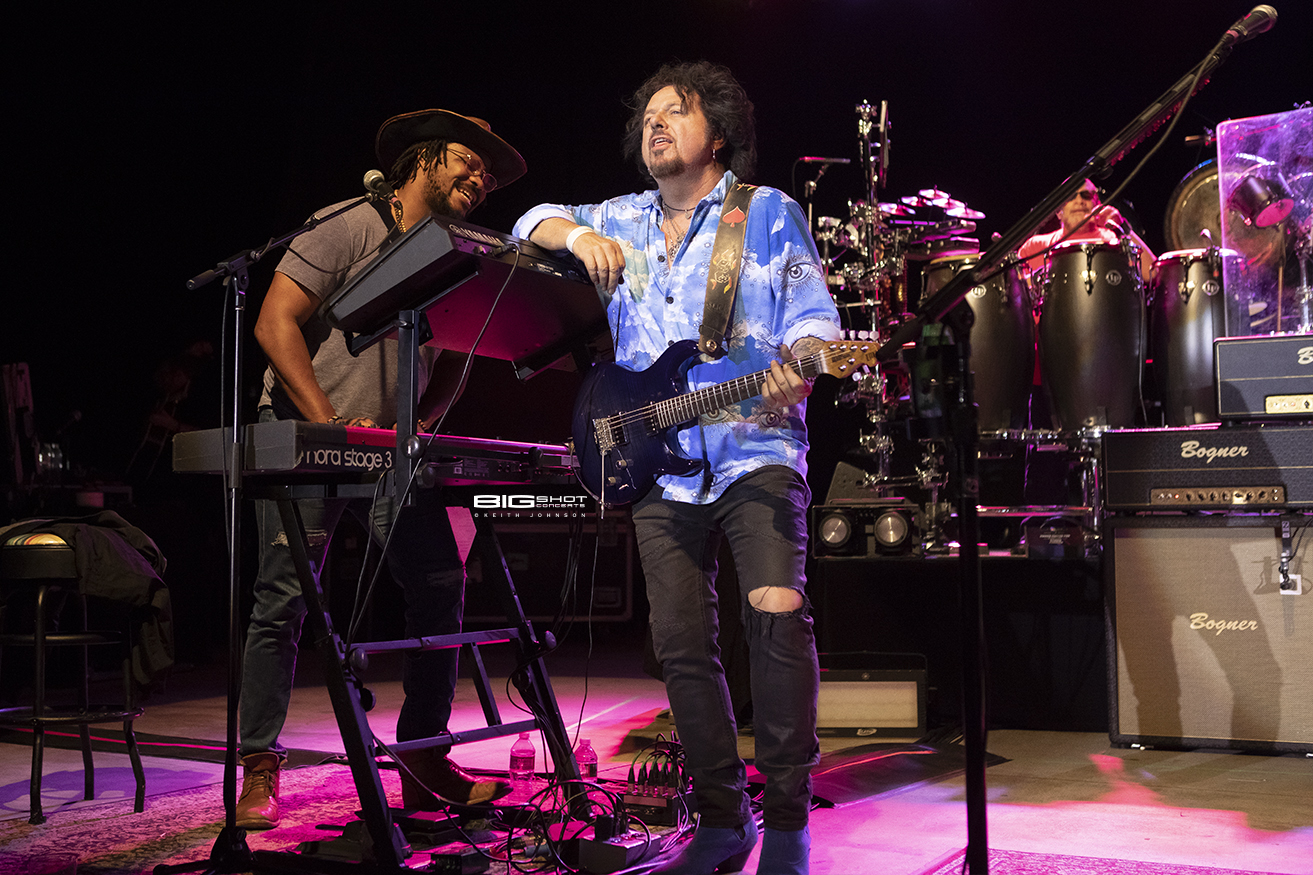 Toto Keyboardist and Guitarist