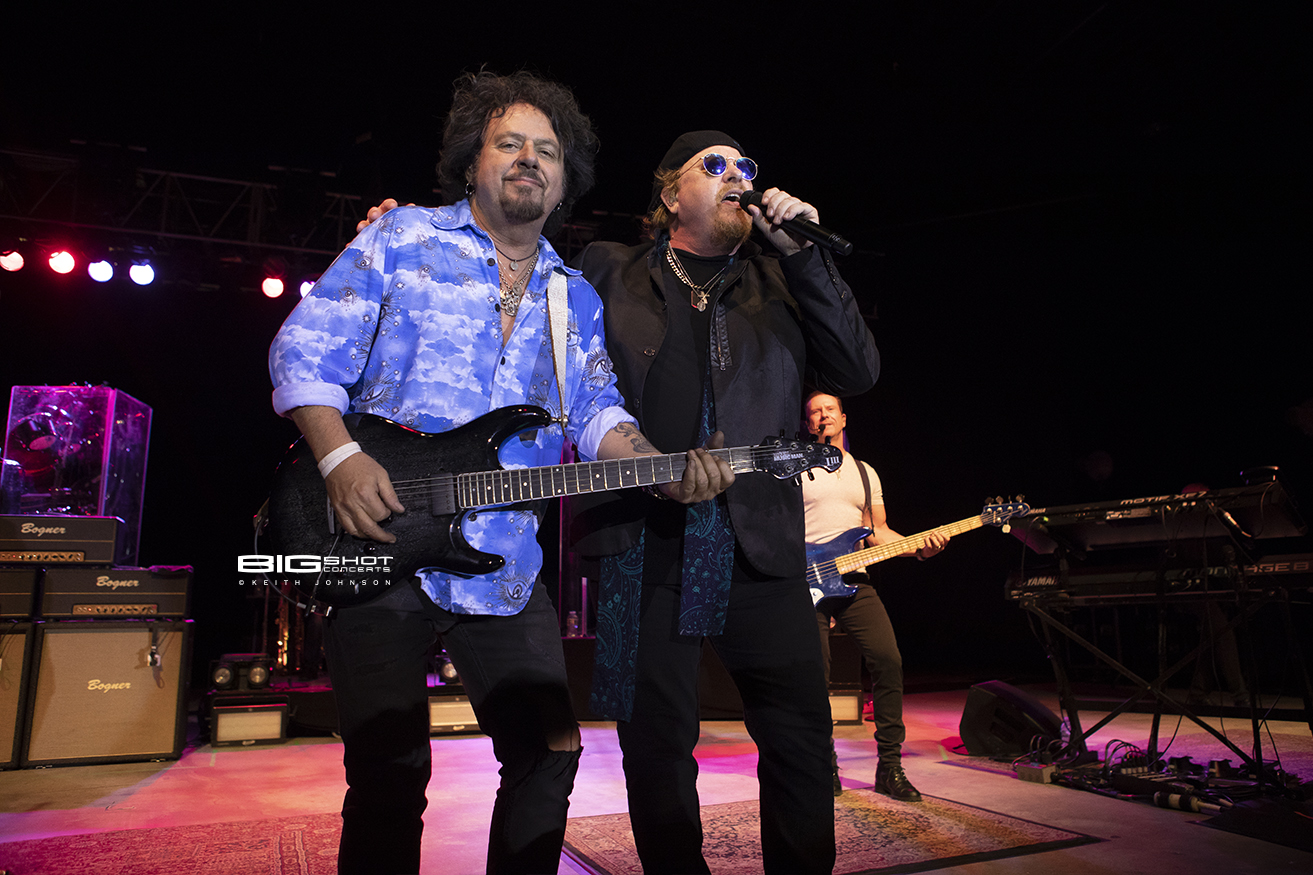 Steve Lukather and Joe Williams of Toto