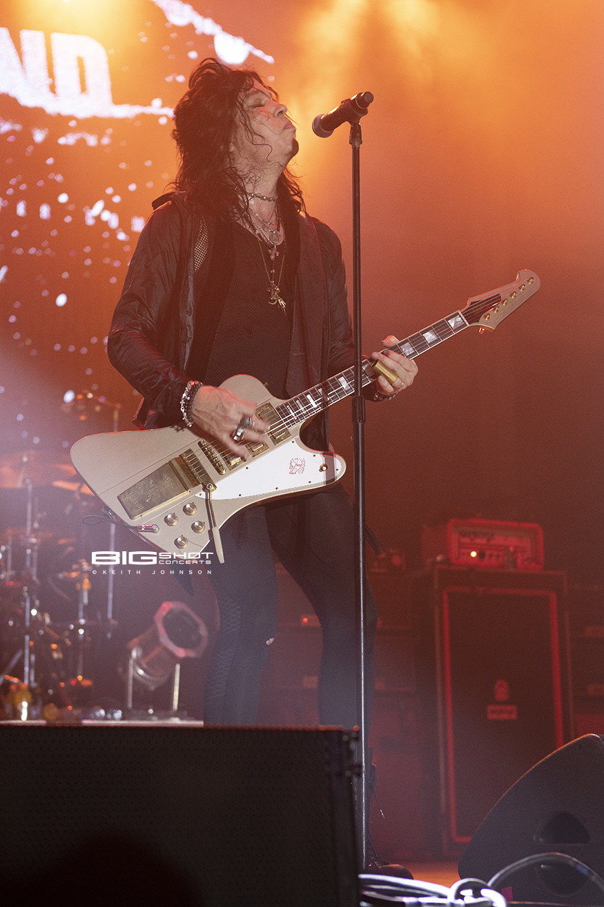 Tom Keifer Rocks the Stage at Miramar Regional Park Amphitheater.