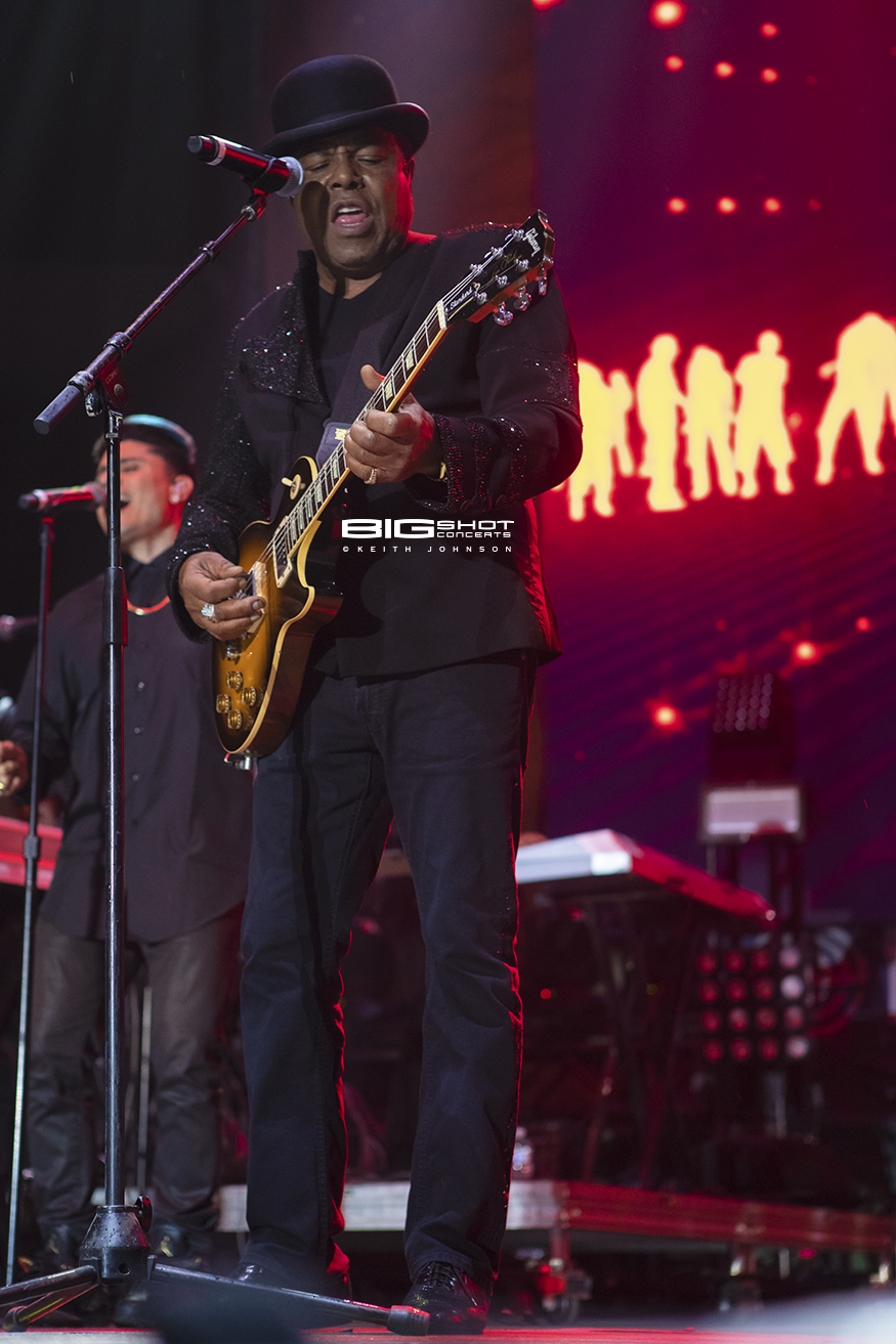 Tito Jackson Plays Guitar on Fort Lauderdale Beach