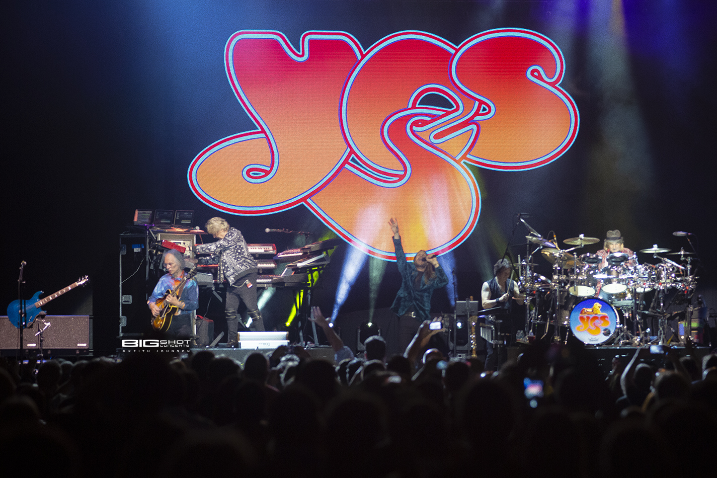 Royal Affair Tour Photo of Yes