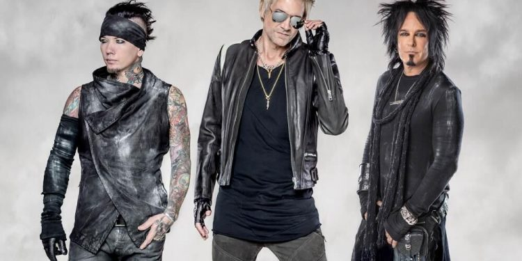 "Sixx:A.M. ""Belly of the Beast"""